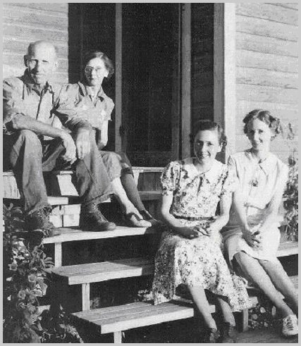 Maitland Family: Fred, Mabel, Margaret, Evelyn