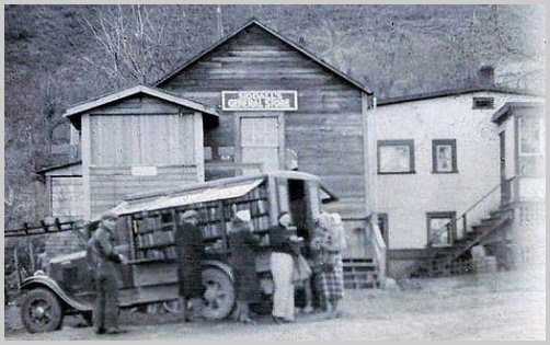 Library Van at Siddall's General Store